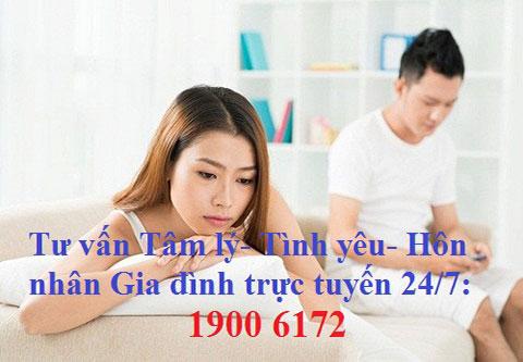 lam-gi-khi-bo-cu-van-thuong-xuyen-lien-lac-voi-chong