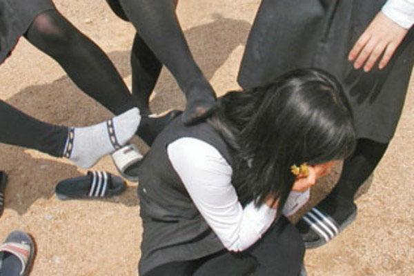 Cha mẹ cần làm gì khi trẻ bị bạo lực học đường