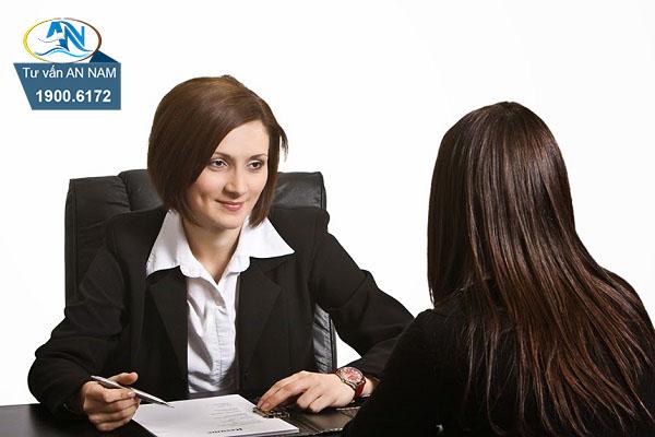 nhà tuyển dụng yêu cầu ở nhân viên