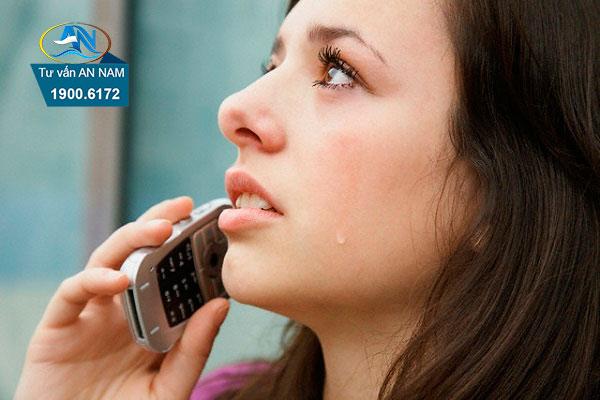 cách ứng xử khi vợ liên lạc với người cũ