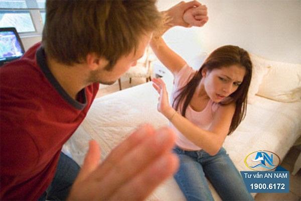 bạo lực vợ vì bồ cũ