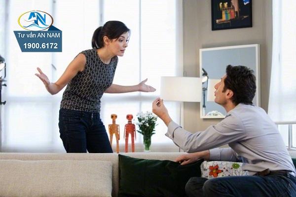 chồng đay nghiến vì vợ đã từng ngoại tình