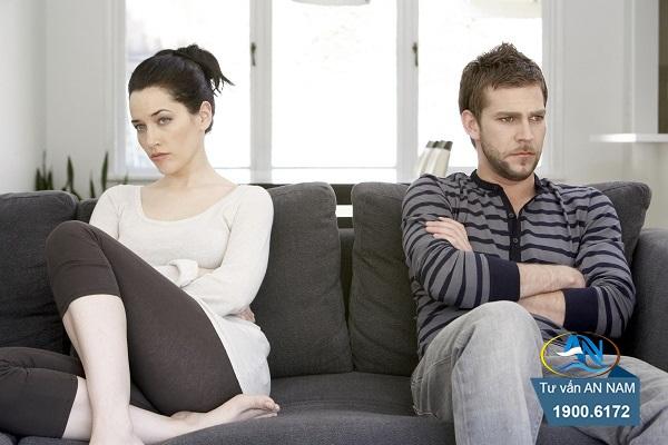 vợ chồng lục đục vì kinh tế