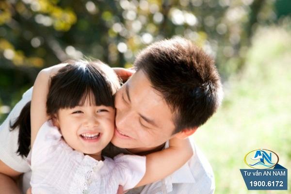 tình cảm giữa bố và con gái