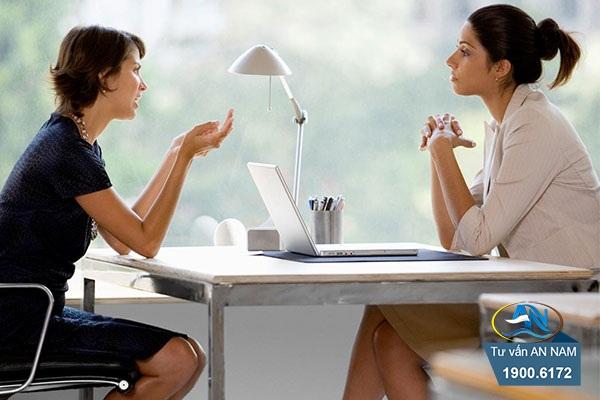để cuộc trò chuyện trở nên tự nhiên