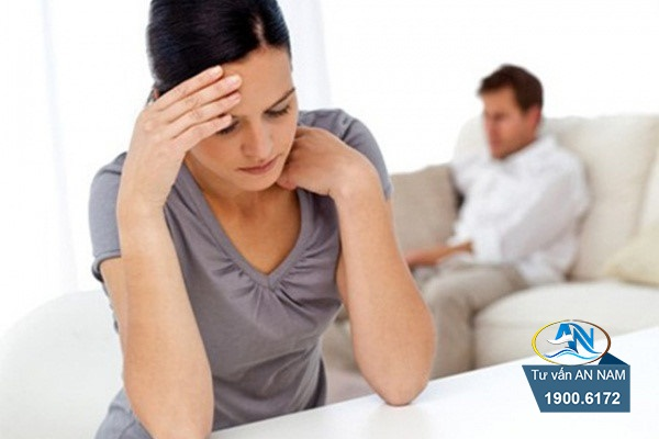 phản bội vợ trong suốt thời gian kết hôn