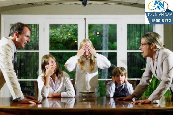 mâu thuẫn trong cuộc sống gia đình