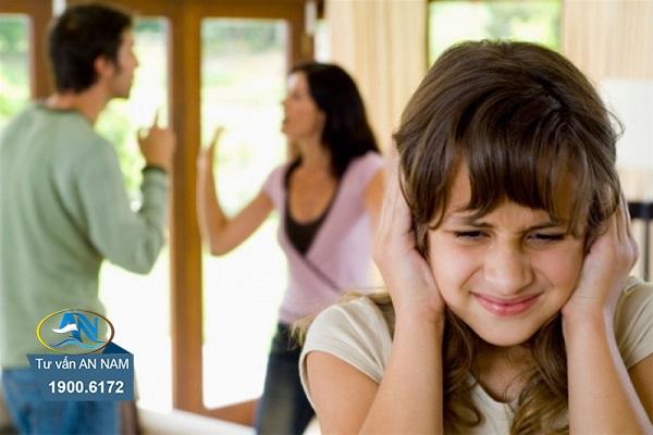 Bố mẹ cấm đoán chuyện tình cảm