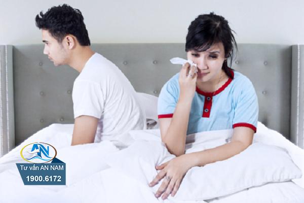 Bố mẹ ly thân khiến tâm lý em bất ổn